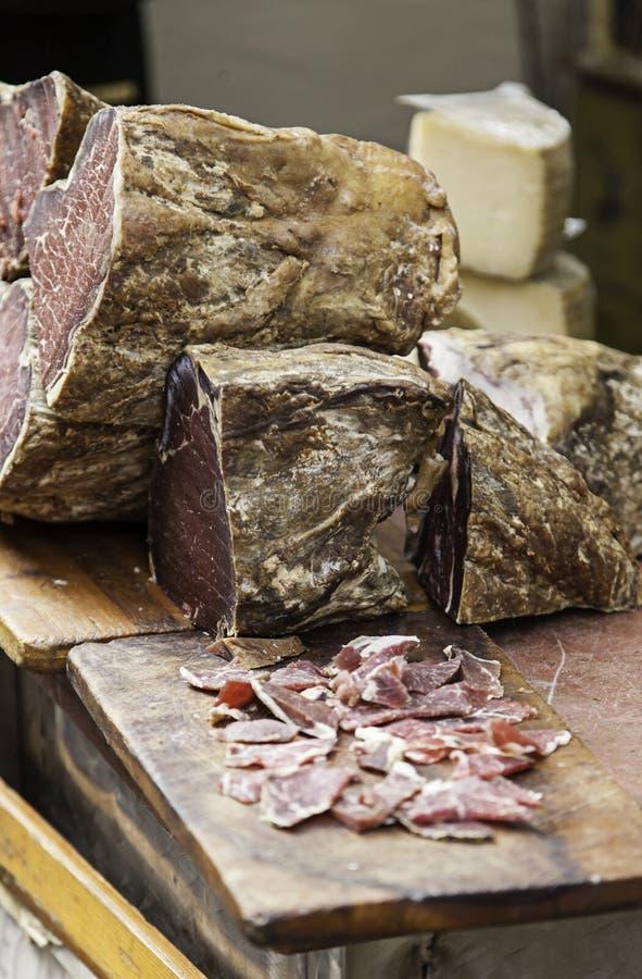 Κομμάτια του ξηρού ζαμπόν χοιρινού κρέατος στοκ φωτογραφίες με δικαίωμα ελεύθερης χρήσης