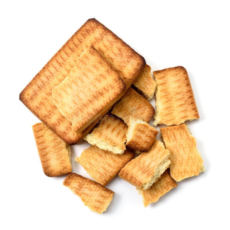 Κομμάτια των φρέσκων μπισκότων στο άσπρο υπόβαθρο στοκ φωτογραφία με δικαίωμα ελεύθερης χρήσης