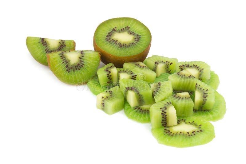 Κομμάτι φρούτων ακτινίδιων φέτα μισός η ανασκόπηση απομόνωσε το λευκό στοκ εικόνα