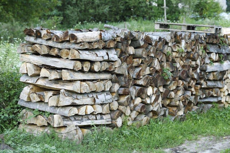 """Κομμένο ξύλο φωτιάς παρασκευασμένο για Ï""""Î¿ χειμώνα στοκ εικόνες με δικαίωμα ελεύθερης χρήσης"""