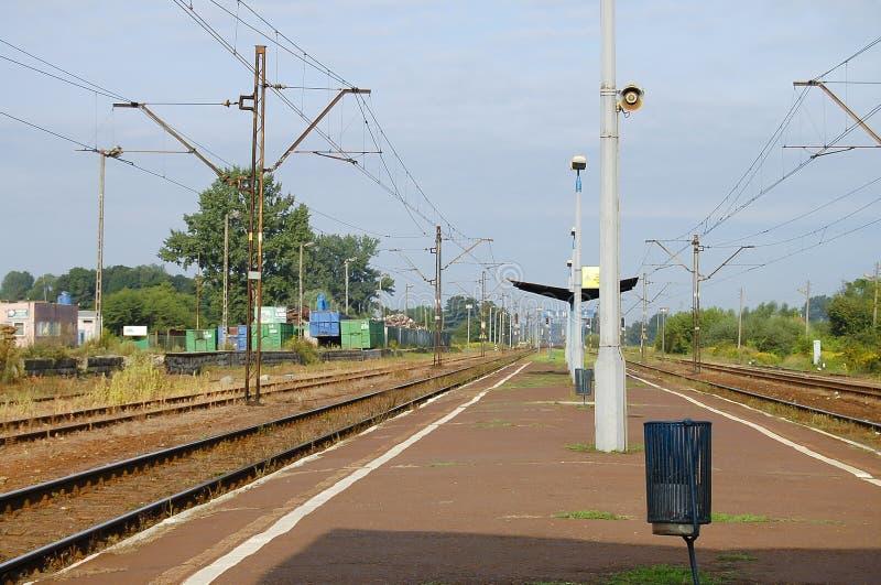 Κομμουνιστικός σταθμός τρένου εποχής - Lancut - Πολωνία στοκ φωτογραφίες