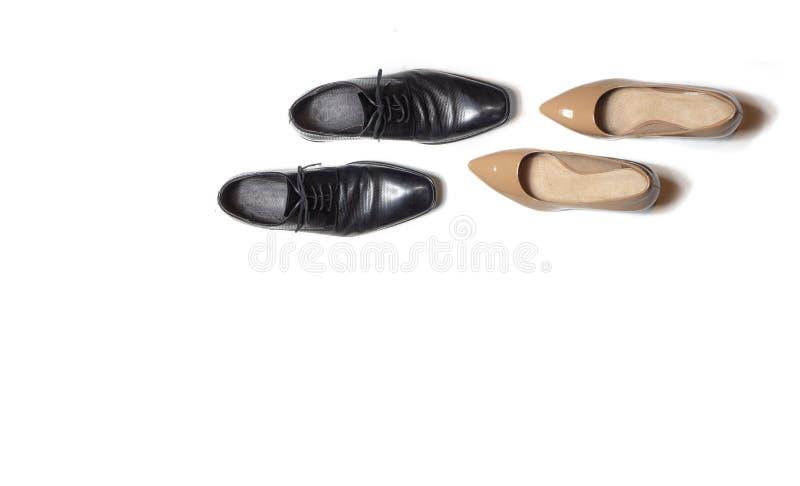 Κομψά παπούτσια που χορεύουν στο απομονωμένο άσπρο υπόβαθρο στοκ φωτογραφία