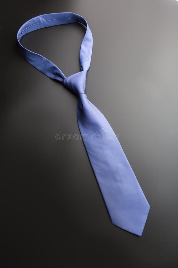 Κομψός μπλε δεσμός στοκ εικόνα με δικαίωμα ελεύθερης χρήσης