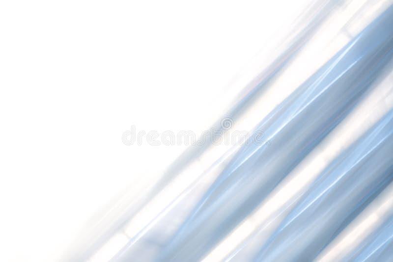 Κομψό ριγωτό σχέδιο υποβάθρου μπλε και γκρι χάλυβα που εξασθενίζει στο άσπρο διάστημα στοκ εικόνες