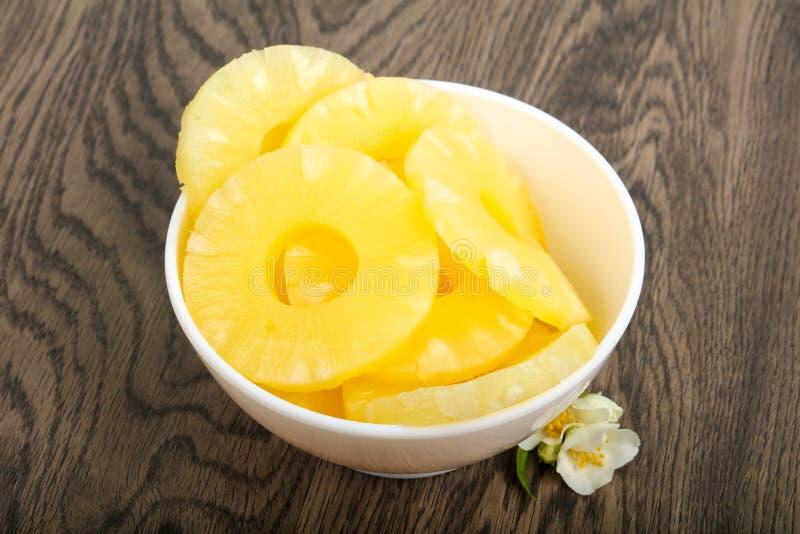 Κονσερβοποιημένος ανανάς στοκ εικόνα με δικαίωμα ελεύθερης χρήσης