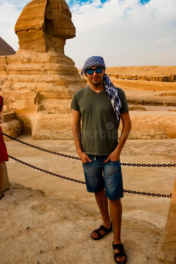 Κοντά στο sphinx σε Giza Κάιρο Αίγυπτος στοκ εικόνες