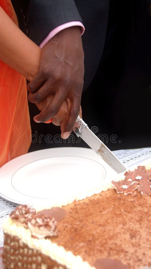 κοπή κέικ στοκ φωτογραφίες με δικαίωμα ελεύθερης χρήσης