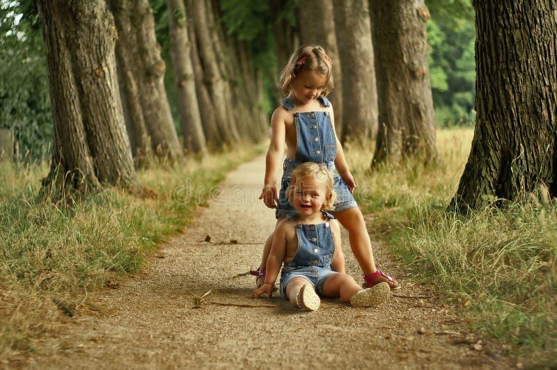 κορίτσια διασκέδασης π&omicron στοκ φωτογραφία