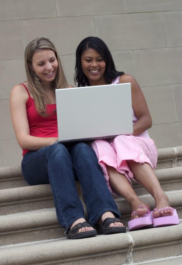 κορίτσια υπολογιστών στοκ εικόνες