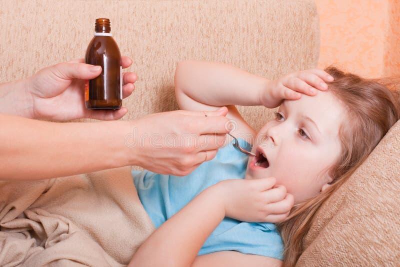 κορίτσι άρρωστο στοκ φωτογραφίες με δικαίωμα ελεύθερης χρήσης