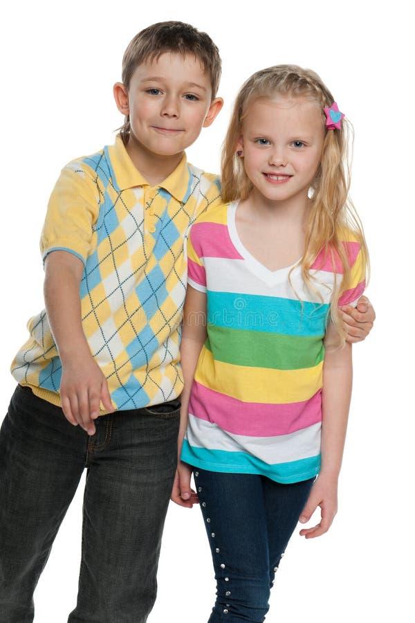 κορίτσι αγοριών ευτυχές στοκ φωτογραφία με δικαίωμα ελεύθερης χρήσης