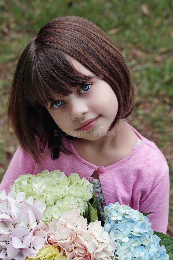 κορίτσι ανθοδεσμών στοκ εικόνα