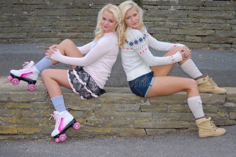 Download κορίτσι αρκετά δύο φίλων στοκ εικόνες. εικόνα από κορίτσι - 17050986