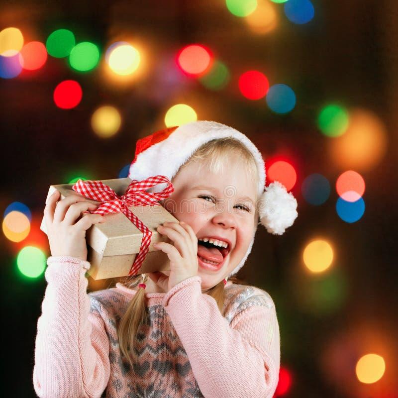 κορίτσι δώρων Χριστουγένν&o στοκ φωτογραφίες