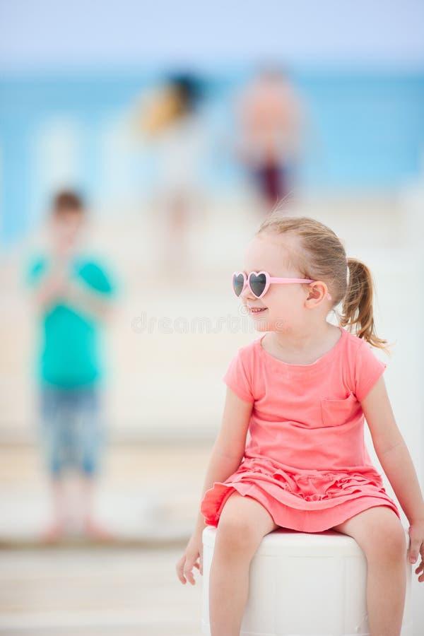 κορίτσι ελάχιστα υπαίθρια στοκ εικόνα