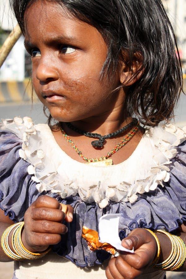 κορίτσι επαιτών λυπημένο στοκ φωτογραφία με δικαίωμα ελεύθερης χρήσης