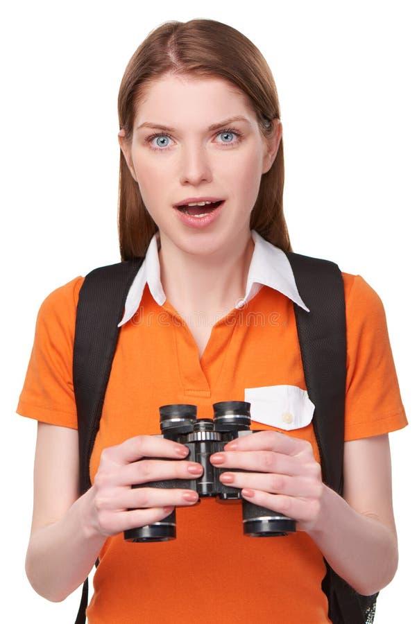 Κορίτσι εφήβων που κοιτάζει μέσω των διοπτρών στοκ εικόνα με δικαίωμα ελεύθερης χρήσης