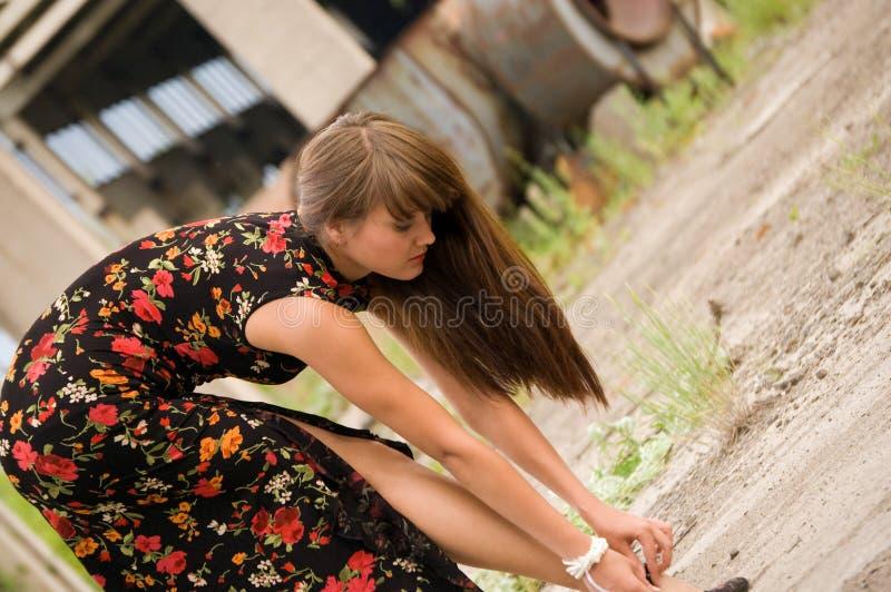 κορίτσι λουλουδιών μόδ&alpha στοκ εικόνες με δικαίωμα ελεύθερης χρήσης