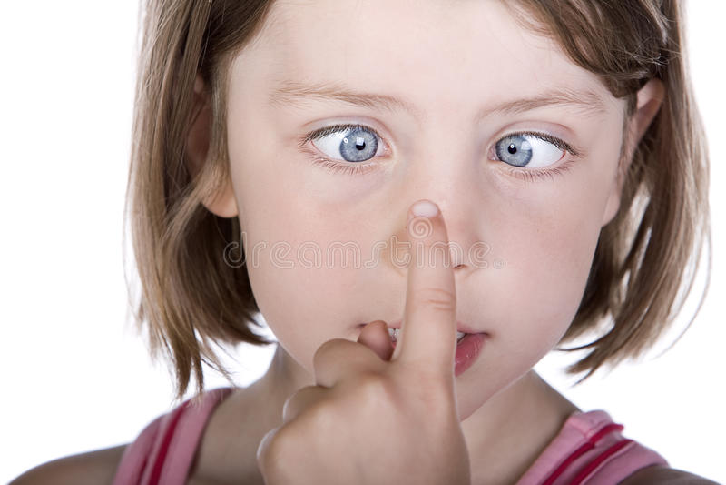 Κορίτσι με τα διασχισμένα μάτια στοκ φωτογραφία με δικαίωμα ελεύθερης χρήσης
