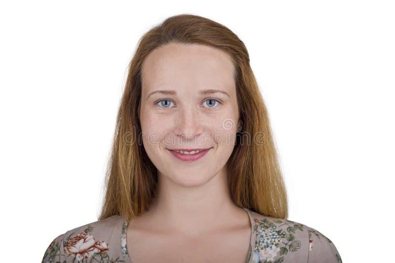 Κορίτσι με τα όμορφα μπλε μάτια και τη redhead τρίχα στοκ εικόνα με δικαίωμα ελεύθερης χρήσης