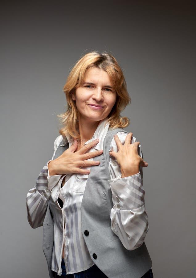 Κορίτσι με τα όμορφα χέρια στοκ εικόνα