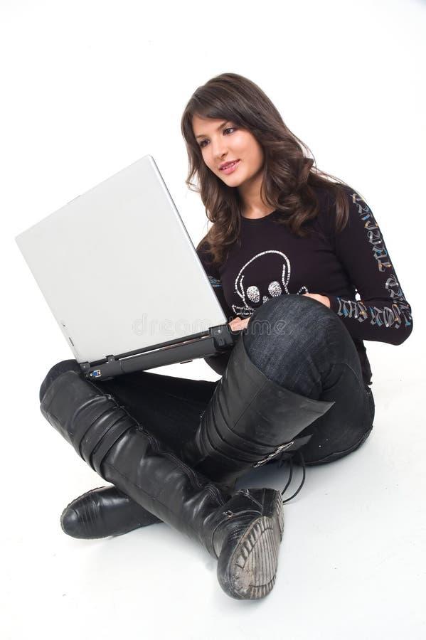 Κορίτσι με την κορυφή περιτυλίξεων στοκ φωτογραφία με δικαίωμα ελεύθερης χρήσης