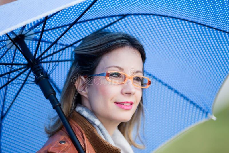 Κορίτσι με την ομπρέλα στοκ εικόνες