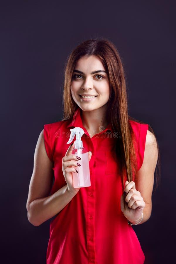 Κορίτσι με τον ψεκασμό στοκ φωτογραφία με δικαίωμα ελεύθερης χρήσης