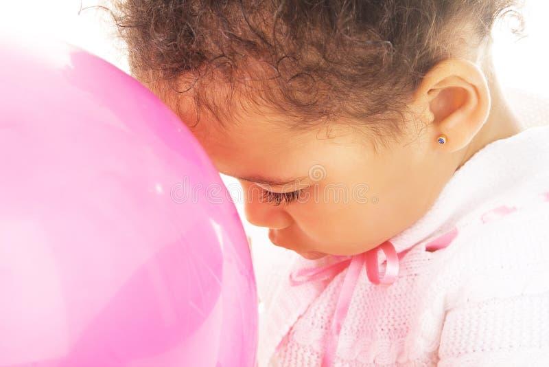 κορίτσι μπαλονιών λίγη ρόδι στοκ εικόνα με δικαίωμα ελεύθερης χρήσης