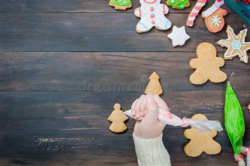 κορίτσι μπισκότων Χριστο&upsil στοκ φωτογραφίες με δικαίωμα ελεύθερης χρήσης