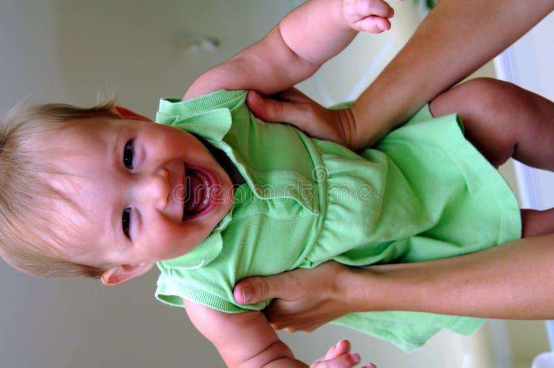 κορίτσι μυγών μωρών στοκ φωτογραφία