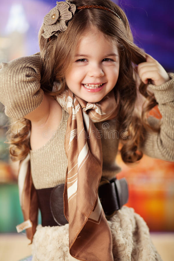κορίτσι μόδας παιδιών ομορφιάς στοκ φωτογραφίες