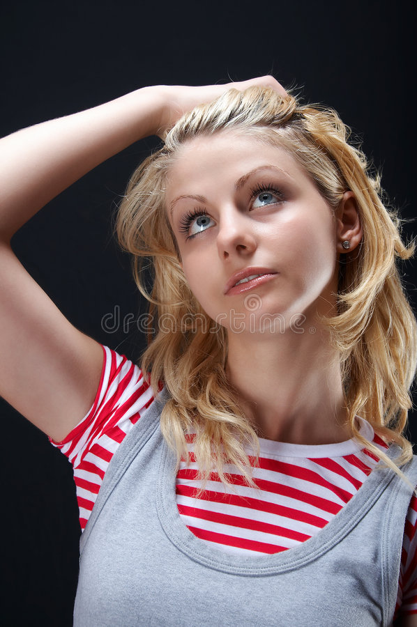 κορίτσι που ανατρέχει στοκ φωτογραφίες