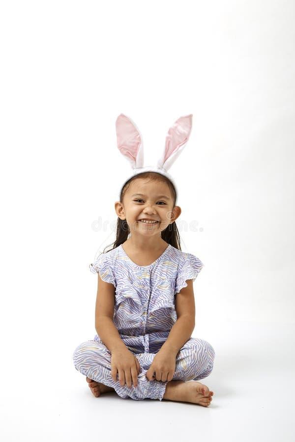 Κορίτσι που ενεργεί ως λίγη ημέρα Πάσχας στοκ εικόνα με δικαίωμα ελεύθερης χρήσης