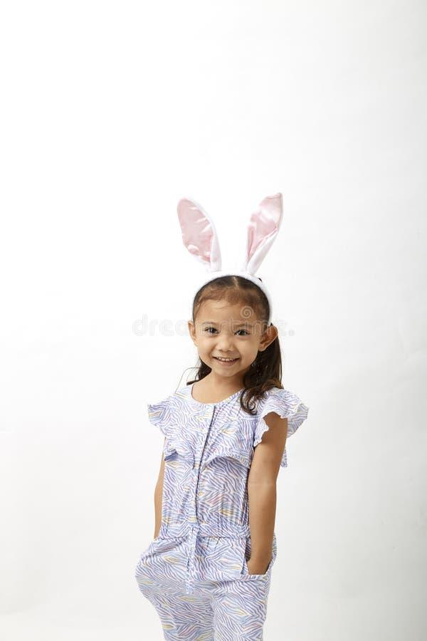 Κορίτσι που ενεργεί ως λίγη ημέρα Πάσχας στοκ φωτογραφία με δικαίωμα ελεύθερης χρήσης