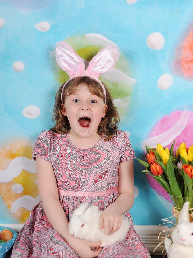 Κορίτσι που διεγείρεται για Πάσχα στοκ εικόνες