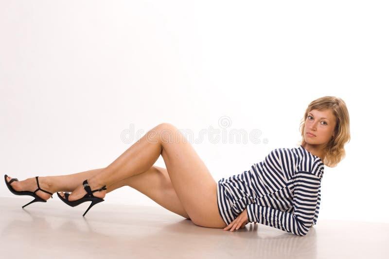 Κορίτσι σε μια φανέλλα στοκ εικόνες με δικαίωμα ελεύθερης χρήσης