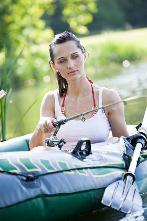 Κορίτσι στη βάρκα στοκ εικόνα