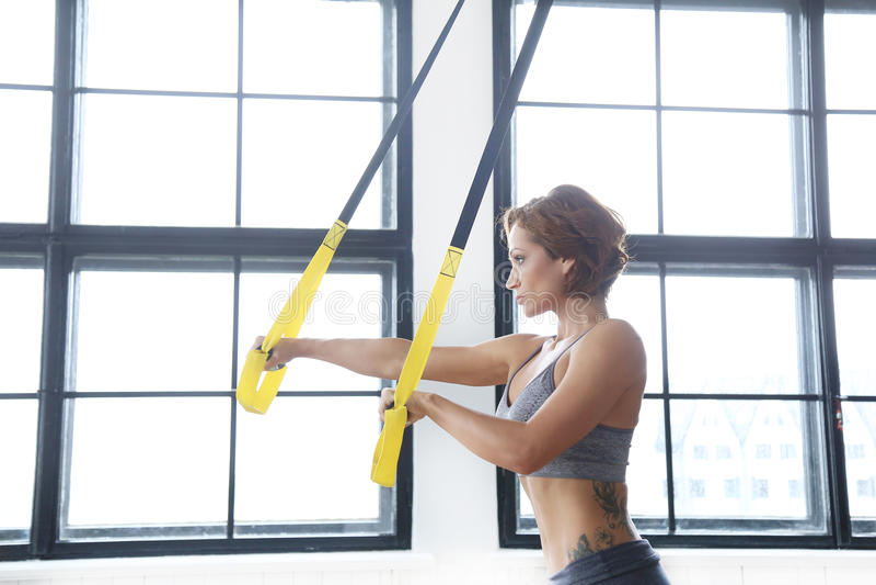 Κορίτσι στη γυμναστική στοκ εικόνες