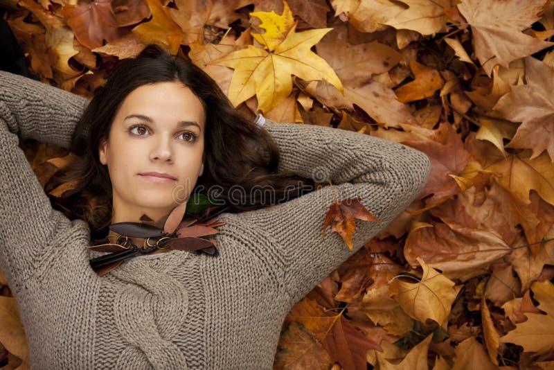 κορίτσι στοχαστικό στοκ φωτογραφία με δικαίωμα ελεύθερης χρήσης