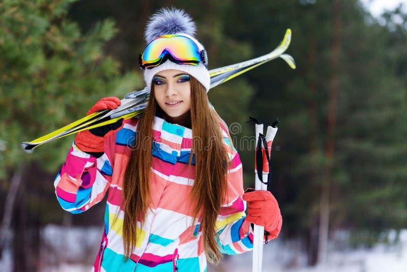 Κορίτσι στο εργαλείο για να κάνει σκι στοκ φωτογραφίες με δικαίωμα ελεύθερης χρήσης