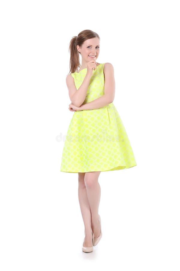 Κορίτσι στο κίτρινο φόρεμα στοκ εικόνες