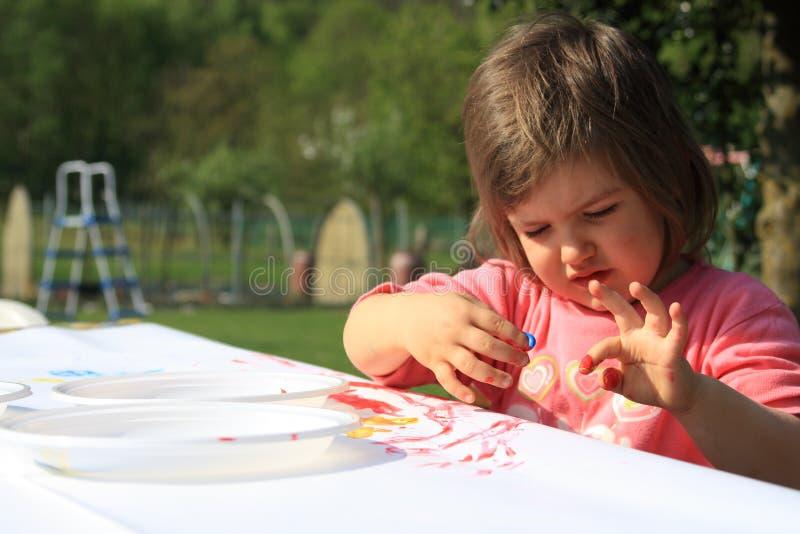 κορίτσι σχεδίων μωρών στοκ εικόνες με δικαίωμα ελεύθερης χρήσης