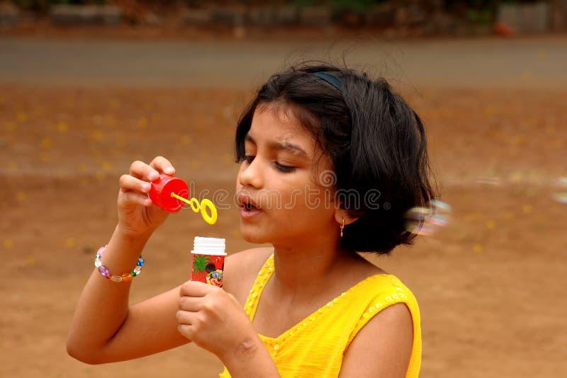 κορίτσι σχεδίων φυσαλίδων στοκ φωτογραφίες με δικαίωμα ελεύθερης χρήσης