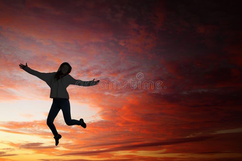 Κορίτσι χορευτών στο άλμα στοκ φωτογραφίες