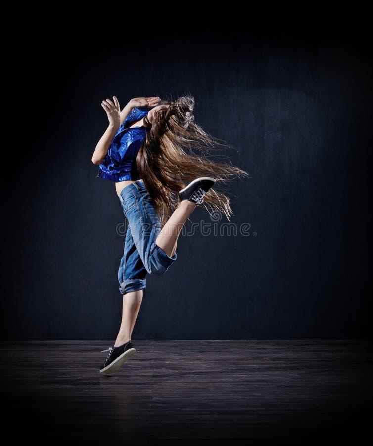 κορίτσι χορευτών σύγχρον&o στοκ φωτογραφία με δικαίωμα ελεύθερης χρήσης