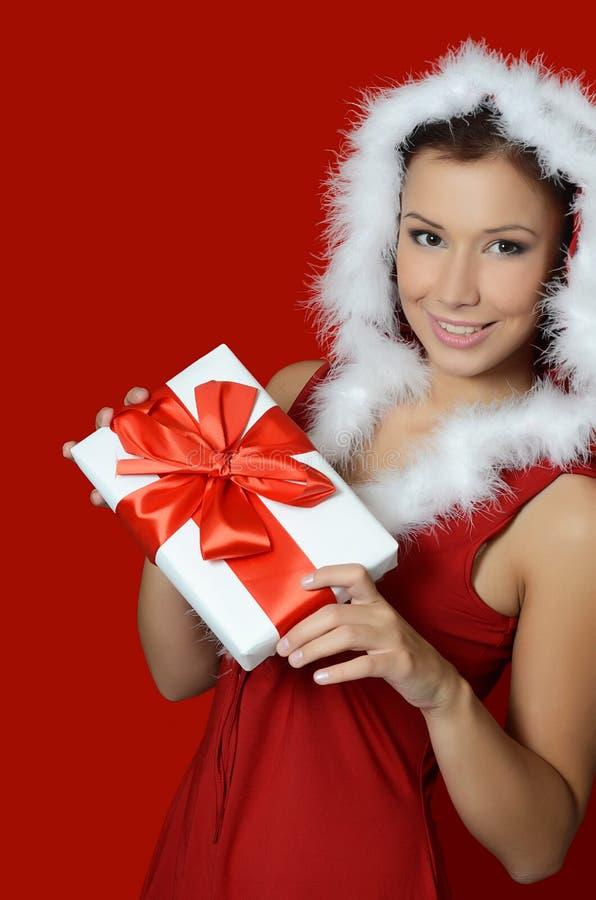 Κορίτσι Χριστουγέννων με τα κιβώτια των δώρων στοκ εικόνες με δικαίωμα ελεύθερης χρήσης