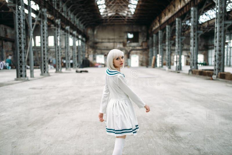 Κορίτσι ύφους Anime, κούκλα στο φόρεμα στοκ φωτογραφία με δικαίωμα ελεύθερης χρήσης