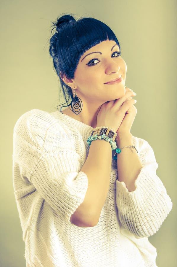 Κορίτσι Brunette, πυροβολισμός στούντιο στοκ φωτογραφία με δικαίωμα ελεύθερης χρήσης