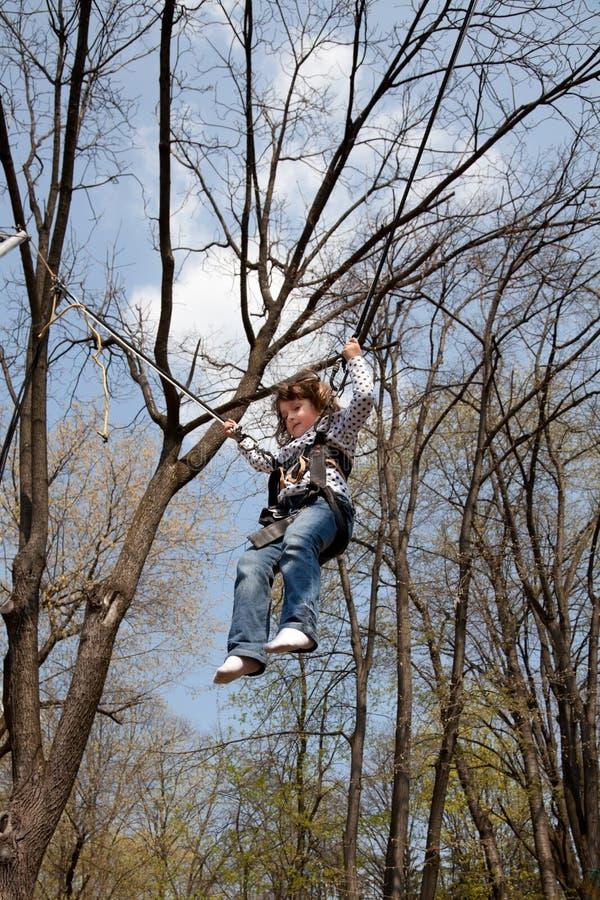 κορίτσι bungee λίγα στοκ εικόνες με δικαίωμα ελεύθερης χρήσης